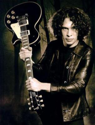 Ray Toro (Lead guitar)